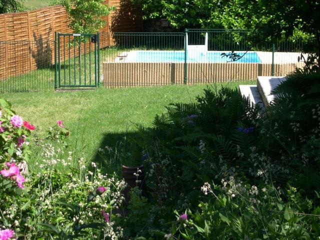 Location Gîte Vacances LE ROUGET (8)