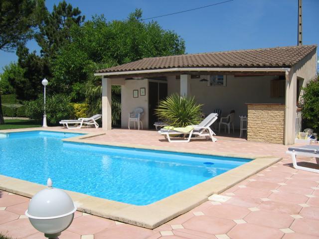 Location Villa Vacances PERNES LES FONTAINES (10)