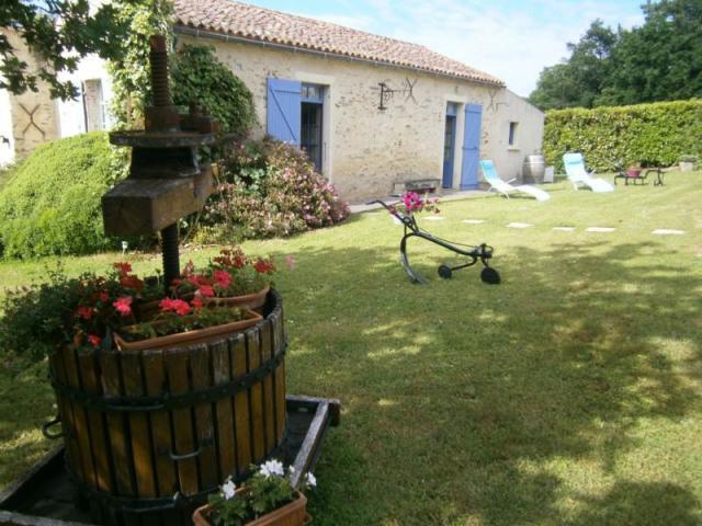 Location Gîte Vacances MAREUIL SUR LAY DISSAIS (1)