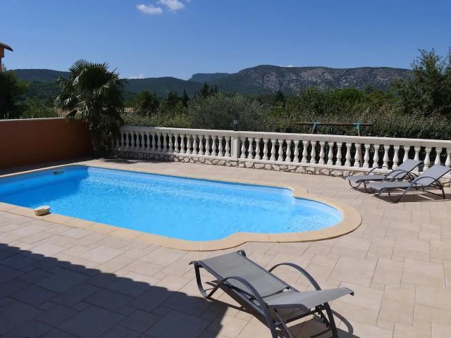 Location Villa Vacances MALAUCÈNE (3)