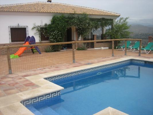 Location Gîte Vacances COMARES (2)