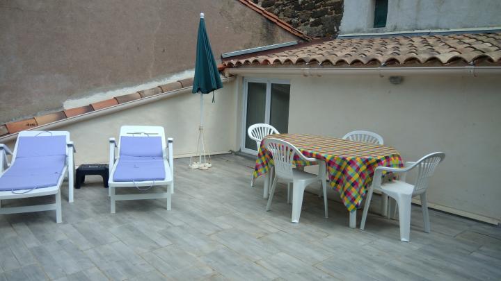 Location Maison Vacances ADISSAN (1)