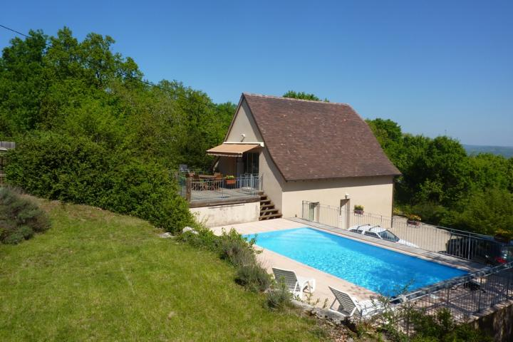 Location vacances LOUBRESSAC villa 8 personnes