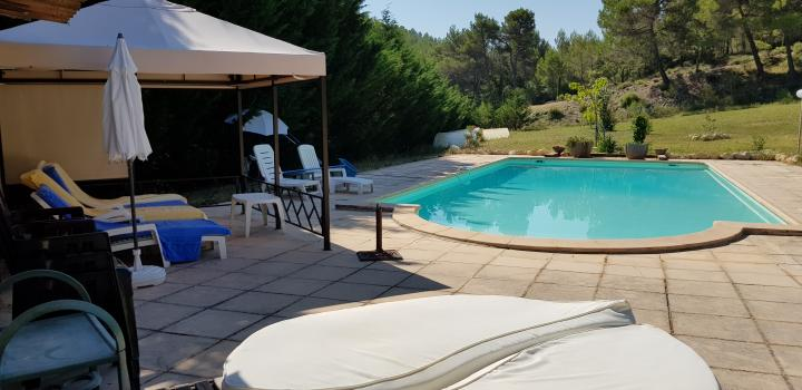 Location Appartement Vacances ROGNES (5)