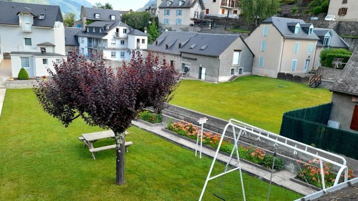 Location Gîte Vacances ESQUIÈZE SÈRE (8)