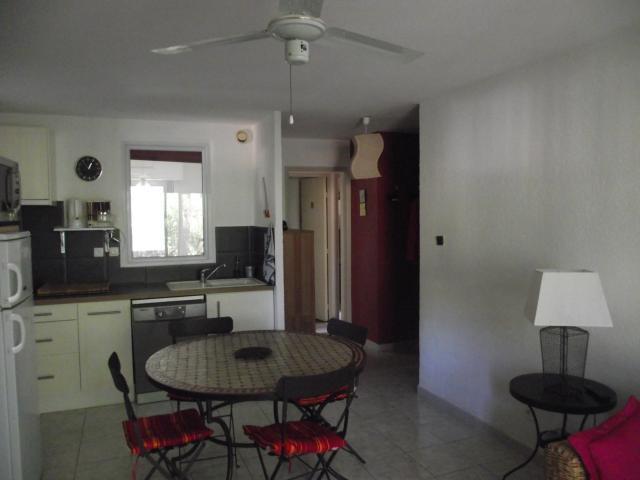 Location Appartement Vacances SAINT MANDRIER SUR MER (5)