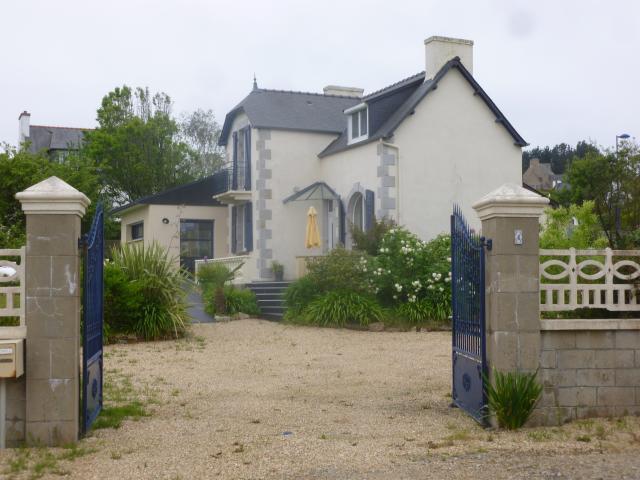 Location Villa Vacances PLOUGASNOU (1)
