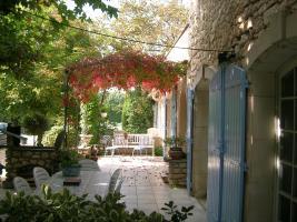 Location Ferme Vacances PERNES LES FONTAINES (2)