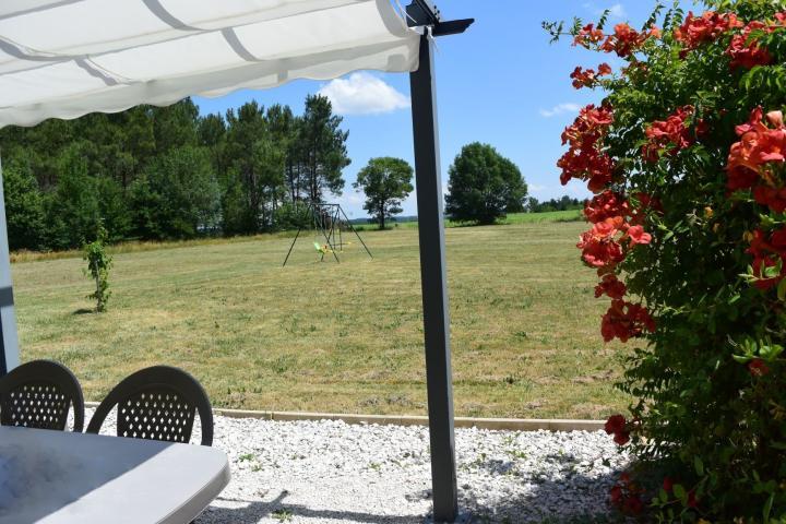 Location Gîte Vacances TRÉMONS (1)