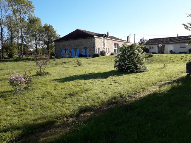 Location Maison Vacances PARCOUL (2)