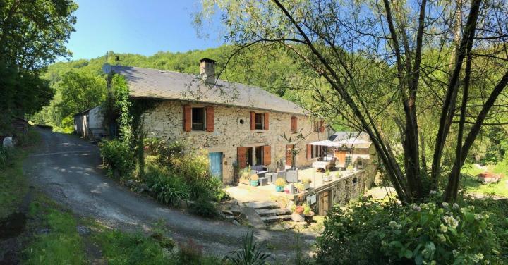 Location Gîte Vacances LE BEZ (1)