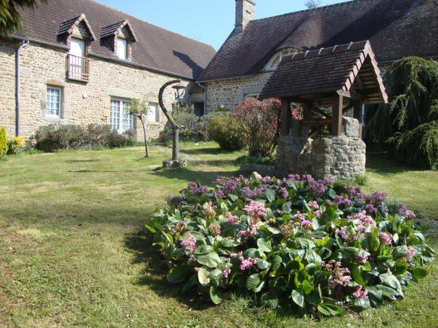 Location Maison Vacances MONTVIRON (1)