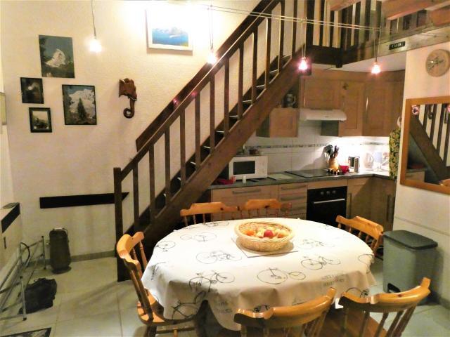 Location Maison Vacances FLEURY (2)