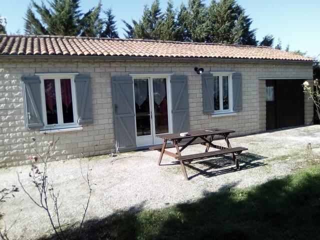 Location Maison Vacances BAYERS (1)