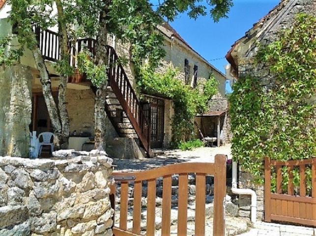 Location Maison Vacances GINOUILLAC (2)