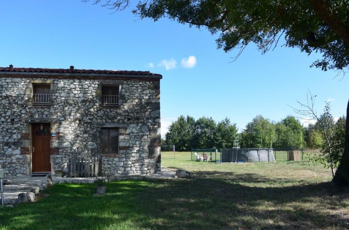 Location Maison Vacances TRÉMONS (11)