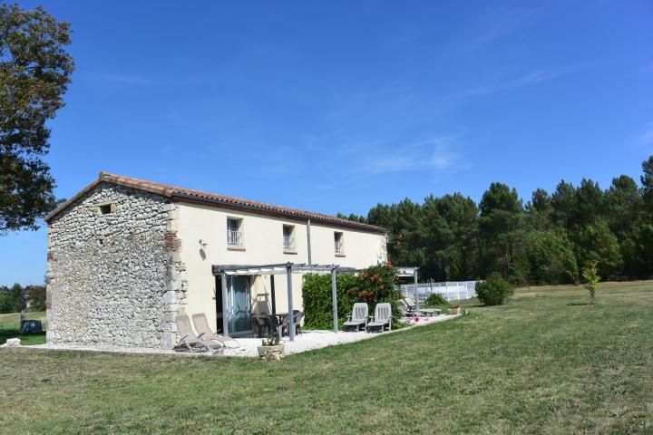 Location Maison Vacances TRÉMONS (12)