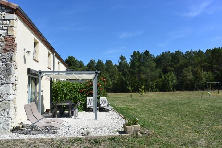 Location Maison Vacances TRÉMONS (2)