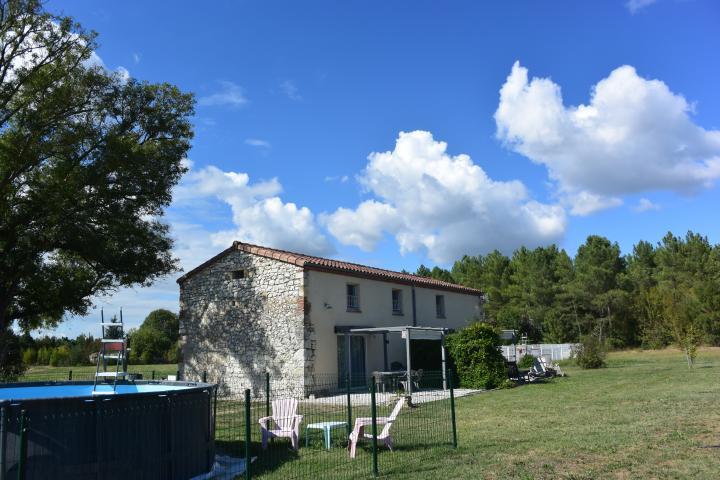 Location Maison Vacances TRÉMONS (4)