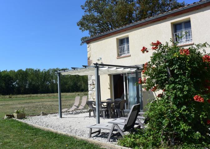 Location Maison Vacances TRÉMONS (5)