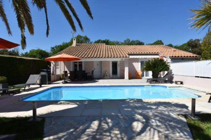 Location Villa Vacances FRÉJUS (1)