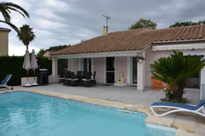 Location Villa Vacances FRÉJUS (2)