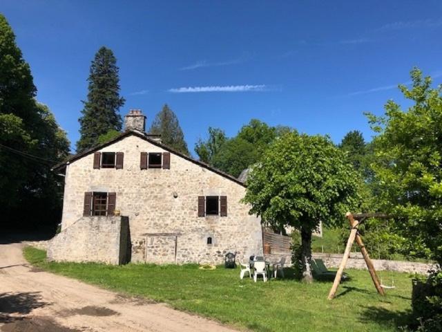 Location Gîte Vacances ROUMÉGOUX (1)