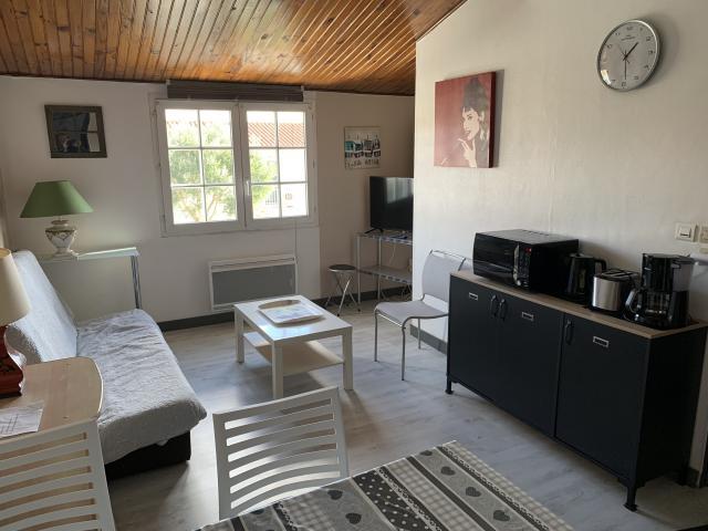 Location Appartement Vacances DOMPIERRE SUR MER (2)
