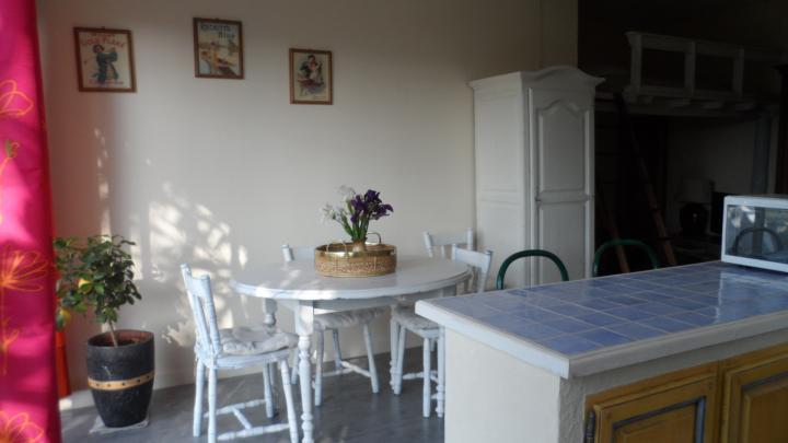 Location vacances UCHAUX appartement 5 personnes