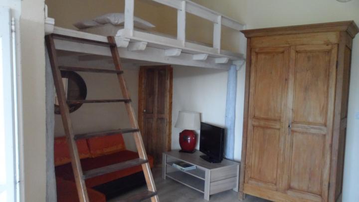 Location Appartement Vacances UCHAUX (3)