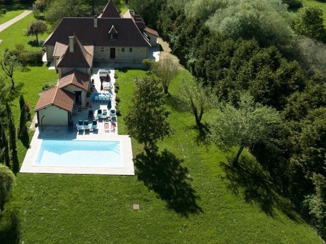 Location Villa Vacances MONPLAISANT (1)