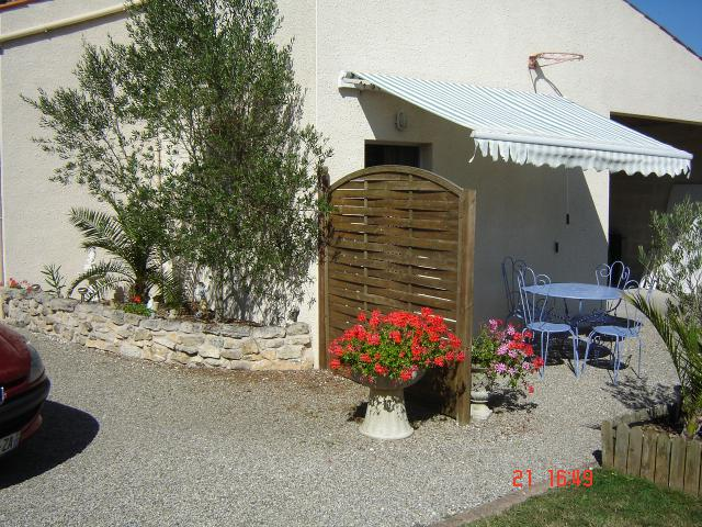 Location Maison Vacances BEAUGEAY (1)