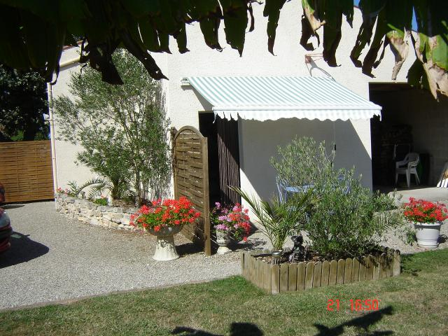 Location Maison Vacances BEAUGEAY (9)