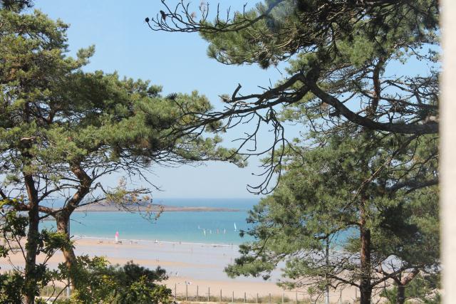 Location Maison Vacances SABLES D'OR LES PINS (4)