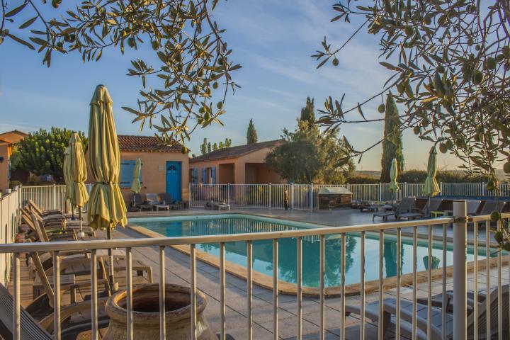 Location Gîte Vacances COLLIAS (2)