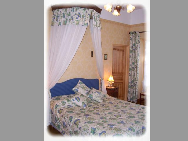 Location Chambre Vacances MAREUIL SUR LAY DISSAIS (5)