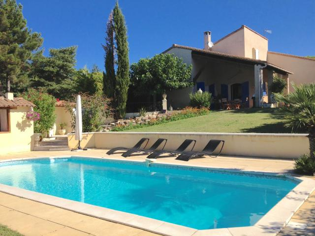 Location Villa Vacances PIERREVERT (1)