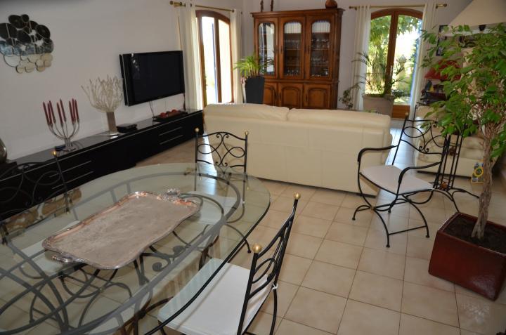 Location Villa Vacances PIERREVERT (8)