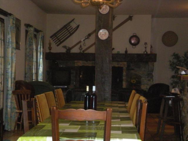 Location Maison Vacances EAUX BONNES (11)