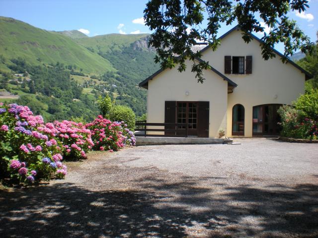 Location Maison Vacances EAUX BONNES (12)