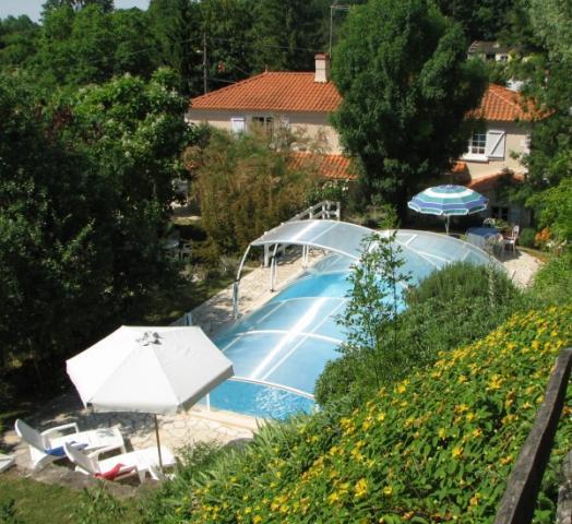 Location Maison Vacances VELLUIRE (1)