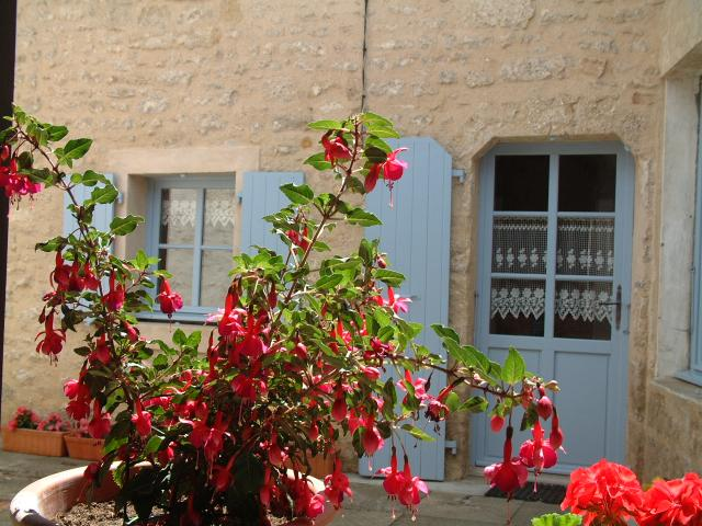 Location Gîte Vacances SAINT MICHEL LE CLOUCQ (2)