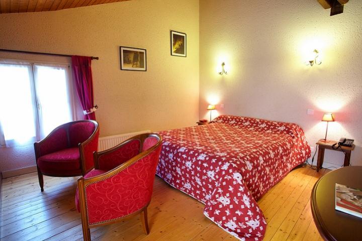 Location Gîte Vacances SAINT MICHEL LE CLOUCQ (5)