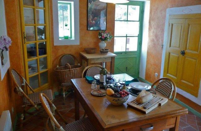 Location Maison Vacances NYONS (6)