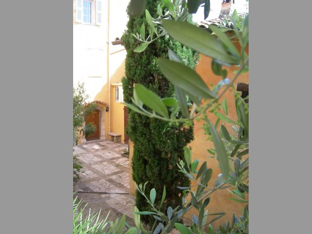 Location Maison Vacances SAINT CÉZAIRE SUR SIAGNE (7)