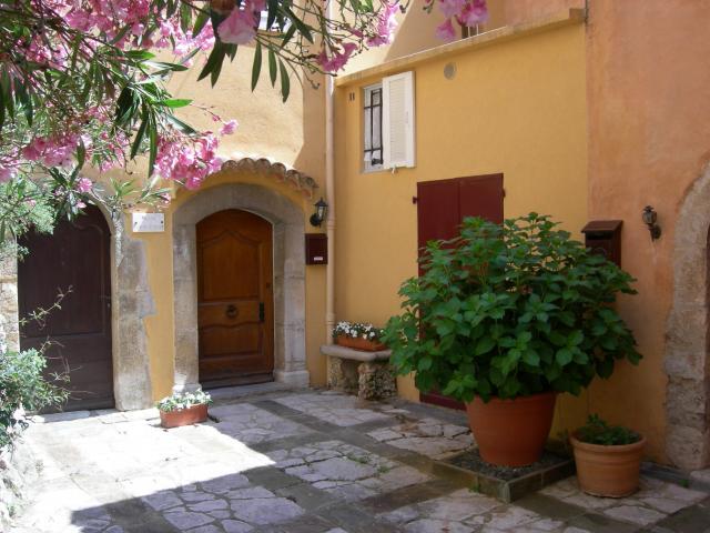 Location Maison Vacances SAINT CÉZAIRE SUR SIAGNE (8)
