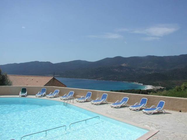 Location Maison Vacances SERRA DI FERRO (2)