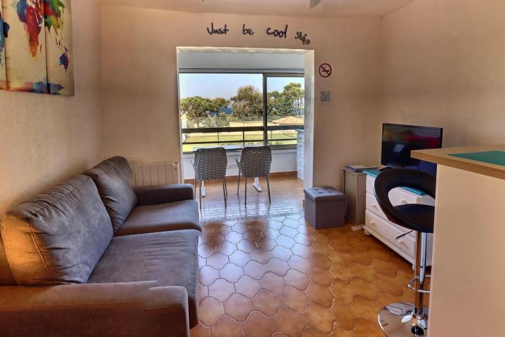 Location Appartement Vacances SIX FOURS LES PLAGES (2)