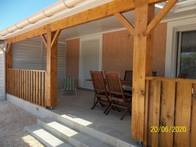 Location vacances SAINT LAURENT DE LA SALANQUE maison 4 personnes