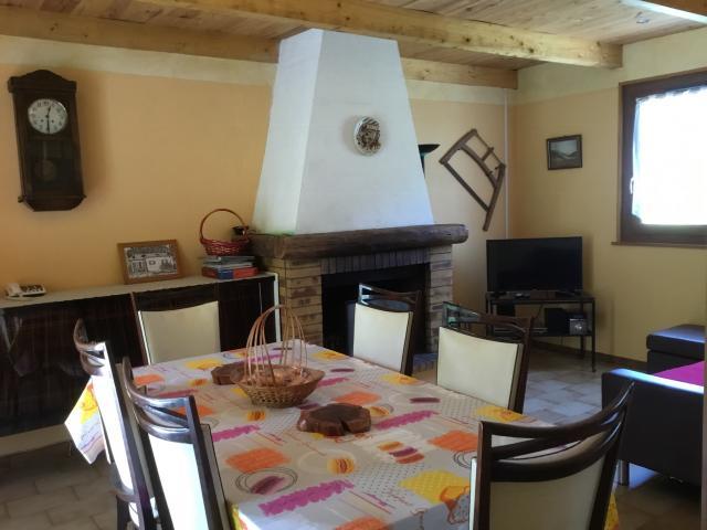 Location Maison Vacances FONTENOY LE CHÂTEAU (8)
